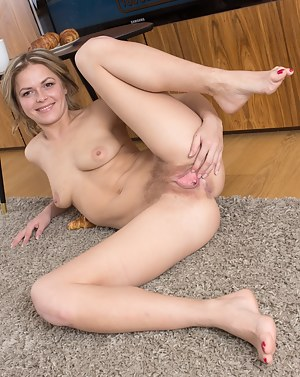 Spread Pussy Porn Pictures